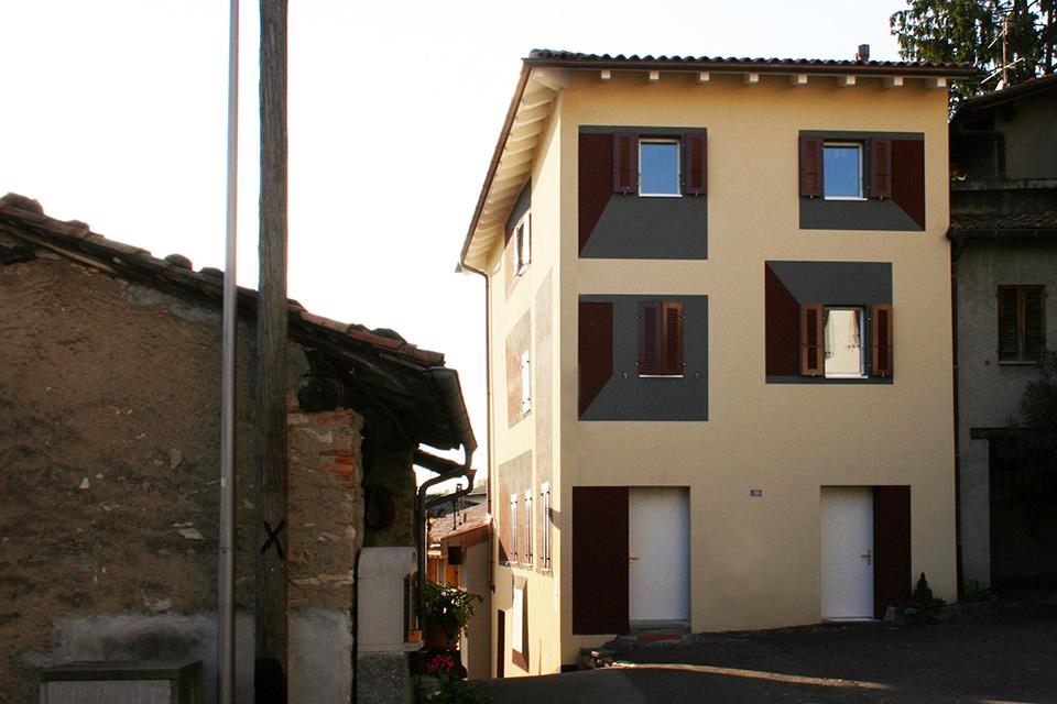 Vista dalla piazzetta di Fontanella